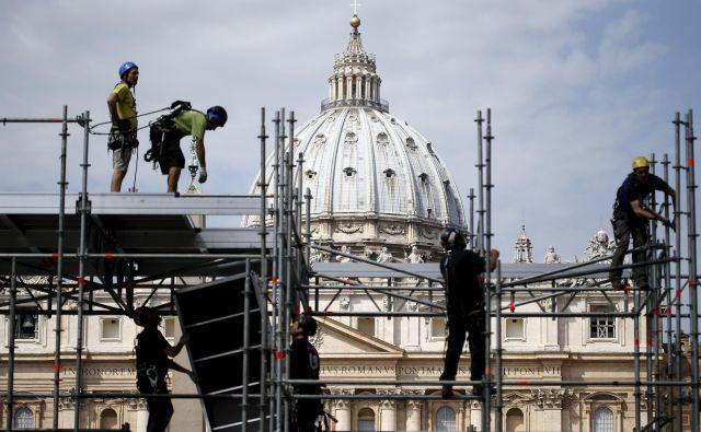 Italijanska država mora izterjati nepremičninske dajatve, ki jih Cerkev v preteklosti ni plačala. Foto Reuters