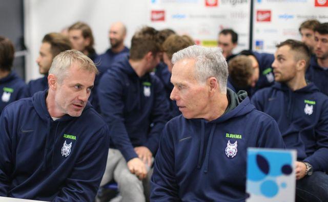 Ivo Jan (levo) se je s svojim sodelavcem Mikom Zettlom resno lotil prve naloge v reprezentančni sezoni. Foto Tomi Lombar
