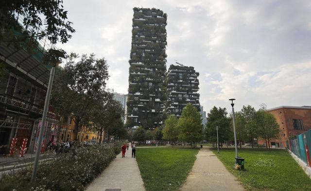Navpični gozd se je že zlil s sosesko Porta Nuova v Milanu. FOTO: Leon Vidic