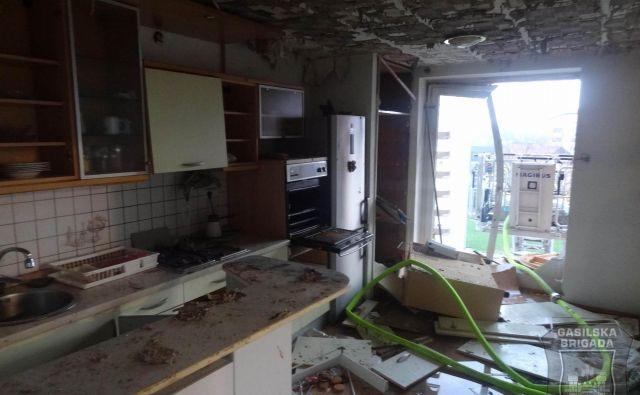 Šest stanovanj je popolnoma uničenih. FOTO: GB Maribor