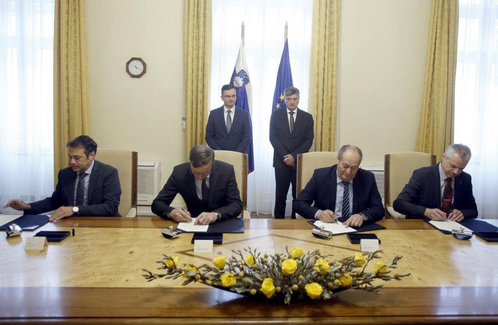 Vlada z občinskimi združenji dosegla dogovor: Na glavo občana prihodnje leto 573 evrov