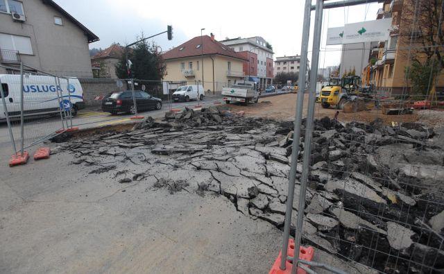 Gradbena dela na Drenikovi ulici v Ljubljani Foto Mavric Pivk/delo