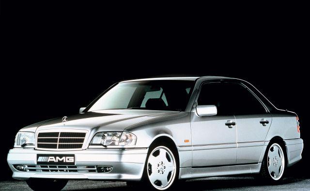 Mercedes-benz C36 AMG je nastal kot odgovor na novo generacijo BMW M3, s katerim se je nato pomeril tako na trgu kot asfaltnih dirkališčih.<br /> Foto Mercedes-Benz