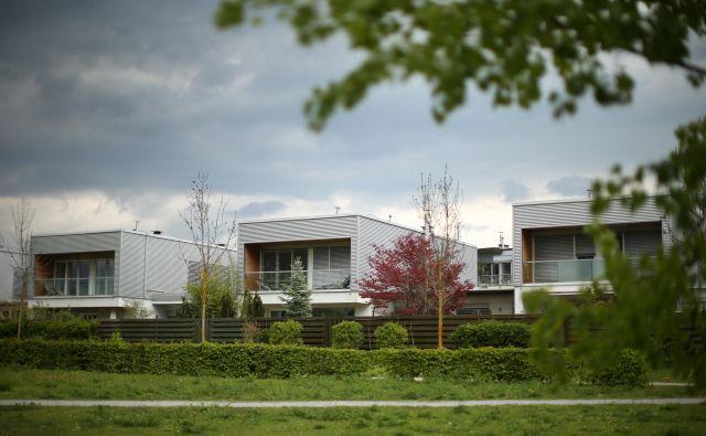Nova stanovanja v Ljubljani so za številne nedosegljiva. Cene so pretirane, se strinjajo nepremičninski strokovnjaki. FOTO: Jure Eržen