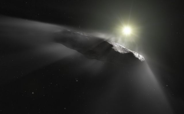 'Oumuamua buri duhove, že od kar so ga prvič opazili. FOTO: M. Kornmesser/AFP