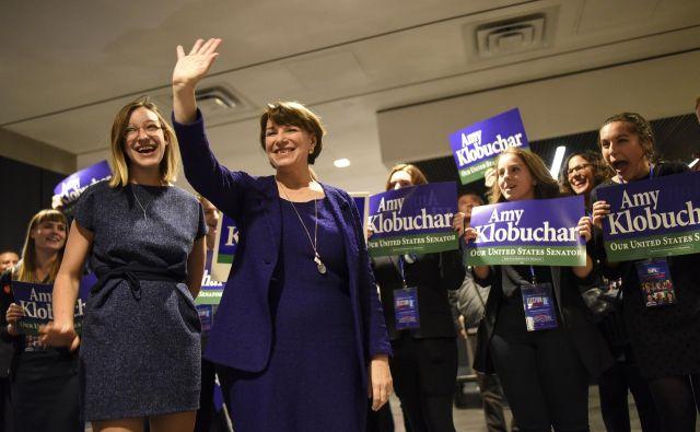 Takole se je v torek že tretjega mandata v senatu veselila Amy Klobuchar. FOTO: AP