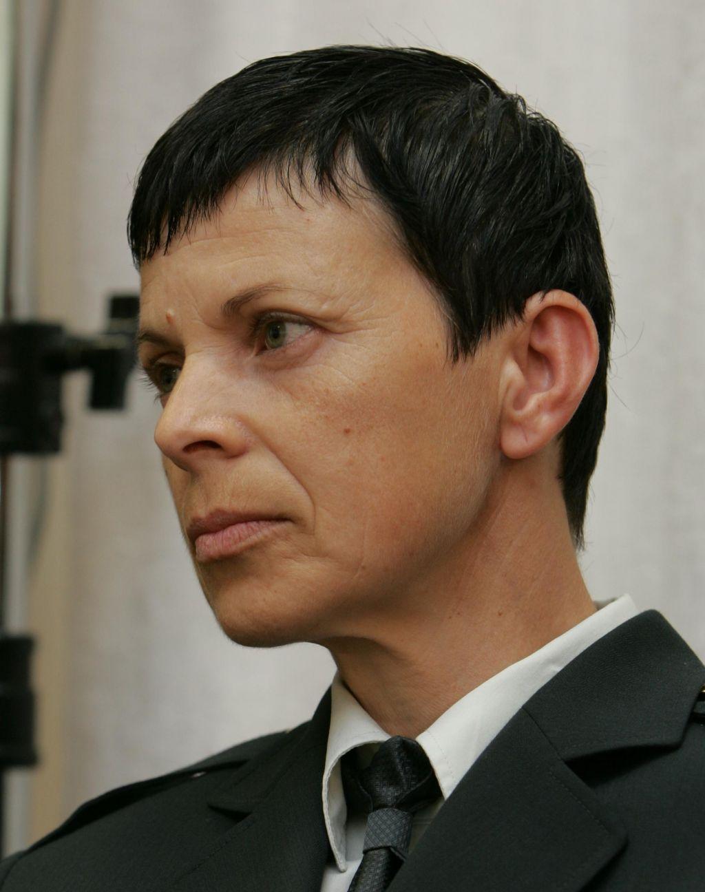 Alenka Ermenc - prva ženska s činom generalmajorke