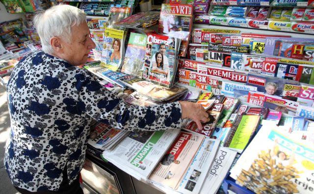 Bolj kot kadarkoli prej v medijski zgodovini, tiskani mediji, poleg televizijskih ter radijskih, nosijo osrednjo vlogo pri zagotavljanju kakovostnega novinarskega diskurza. FOTO: Roman Šipić/Delo