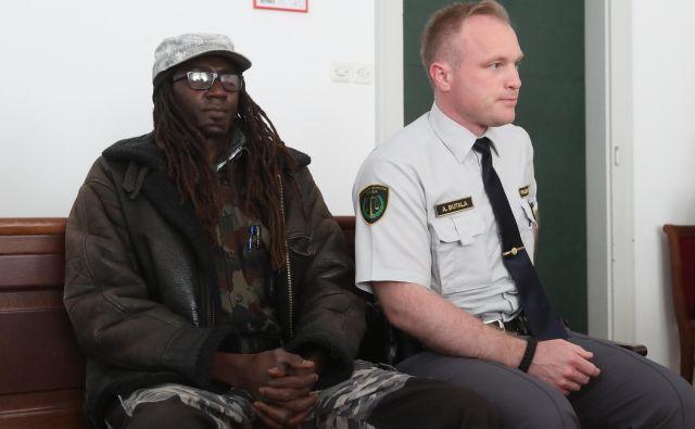 Sodnica se je za izgon obtoženega odločila kljub temu, da ga MZZ odsvetuje. FOTO: Dejan Javornik