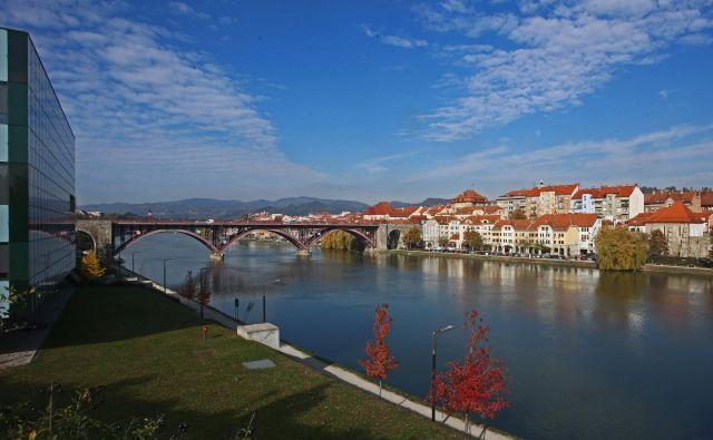 Kakšne so perspektive za zaposlitev v Mariboru? FOTO Tadej Regent/Delo