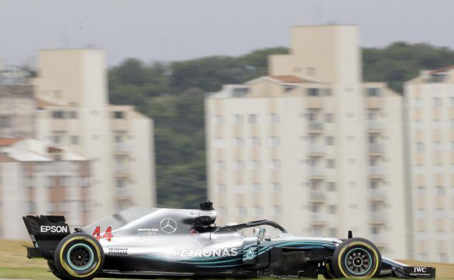 Lewis Hamilton na prvih dveh treningih ni zmagal. FOTO: Andre Penner/AP