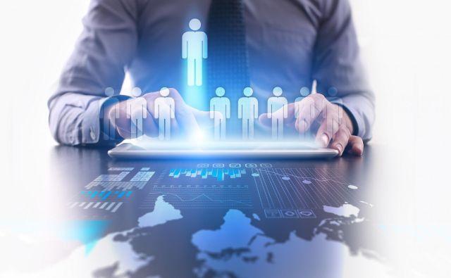 Zunanji sodelavci čutijo večjo odgovornost, saj so na trgu in se morajo boriti za stranke. FOTO: Shutterstock