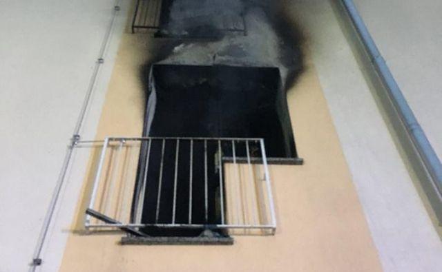 V enem izmed stanovanj je zagorelo okoli 6. ure. FOTO: Facebook/Gasilska enota Škofja Loka
