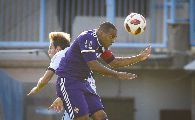 Marcos Tavares je zabil prvi in zadnji vijolični gol. FOTO: Jože Suhadolnik/Delo