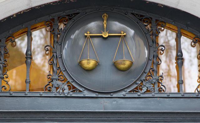 Ker se izmika in noče priti na sodno obravnavo, bo moral za zapahe.FOTO: Marko Feist