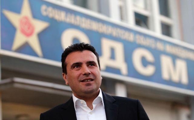 Premier Zoran Zaev ni uspel pridobiti dovolj poslancev, da bi parlament njegovemu predhodniku odvzel poslanski mandat. FOTO: Tomi Lombar/Delo