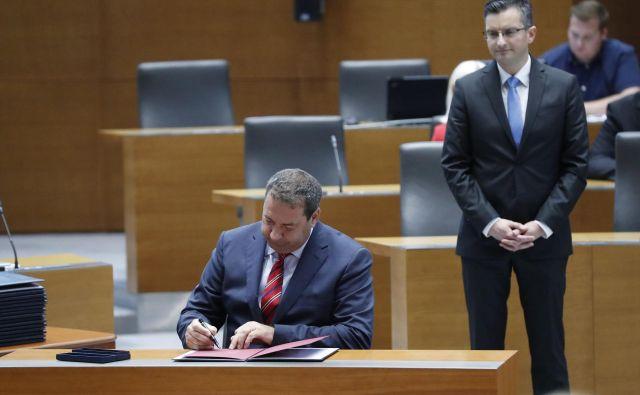 Premiera Marjana Šarca skesani minister Marko Bandelli ni prepričal ne na osebnem zagovoru ne s pisnim pojasnilom. FOTO: Leon Vidic/Delo