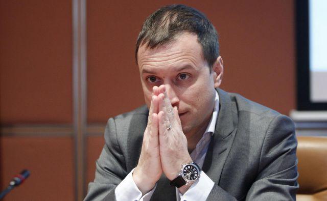 Igor Masten bi na guvernerskem mestu pomenil, da se morebitne nepravilnosti pri sanaciji bank pometejo pod preprogo. Foto Leon Vidic