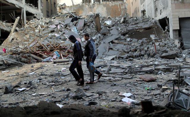 Posledica izraelskega bombardiranja v Gazi. Foto: Reuters