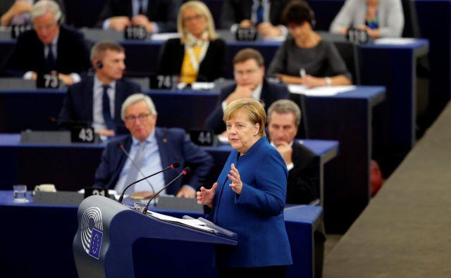 Nemška kanclerka Angela Merkel je predstavila svoje vizijo in predloge za prihodnost EU. FOTO: Vincent Kessler/Reuters