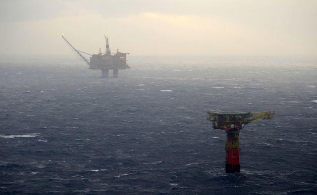Naftne ploščadi na Norveškem, ki polnijo največji demografski sklad na svetu. FOTO: Reuters