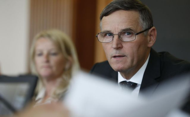 Minister za finance Andrej Bertoncelj naj bi presekal pokojninski gordijski vozel. FOTO Leon Vidic