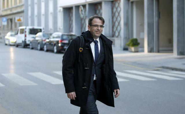 Peter Pogačar med prihodom na sestanek vrha koalicije. FOTO: Matej Družnik