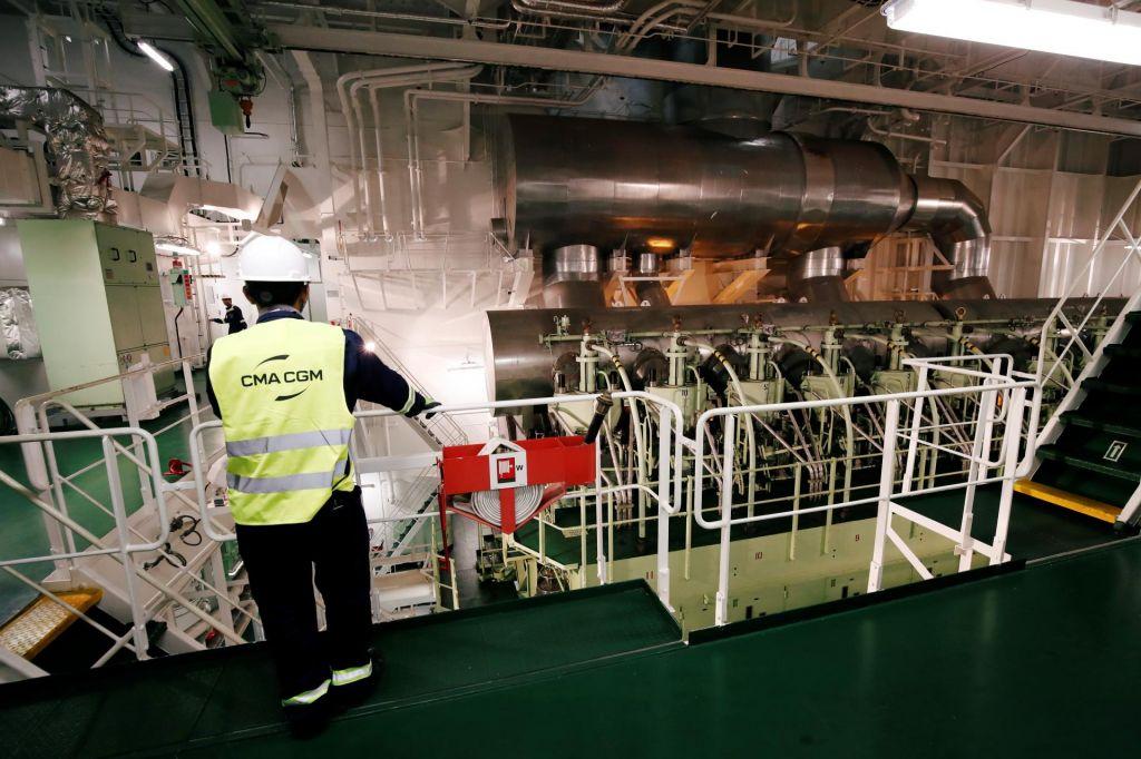Čez dobro leto bo ladje poganjalo »čistejše« gorivo