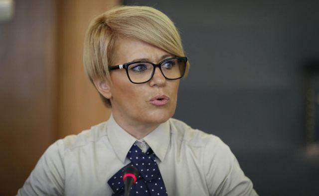 Ministričina izjava je v nasprotju s tistimi pred nastopom mandata in tudi v nasprotju s koalicijsko pogodbo, ki poudarja pomen družinskih kmetij. FOTO: Leon Vidic