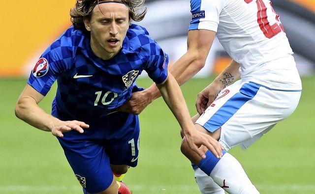 Pod posebnim španskim drobnogledom bo Realov as Luka Modrić. FOTO AP