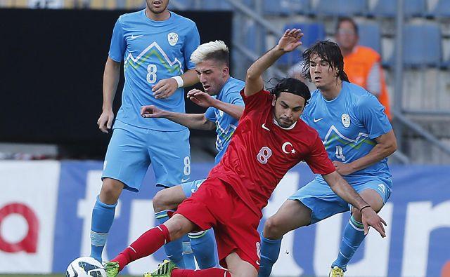 Takole so 31. maja 2013 zmleli Turčijo v Nemčiji tedaj še neizkušeni reprezentanti (z leve) Jasmin Kurtić, Kevin Kampl in Rene Krhin.
