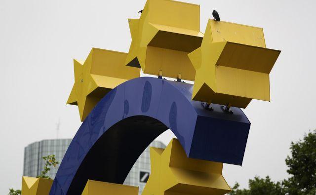 Ko preračunavamo črpanje evropskega denarja na glavo občana, gre za igro številk. FOTO: Reuters