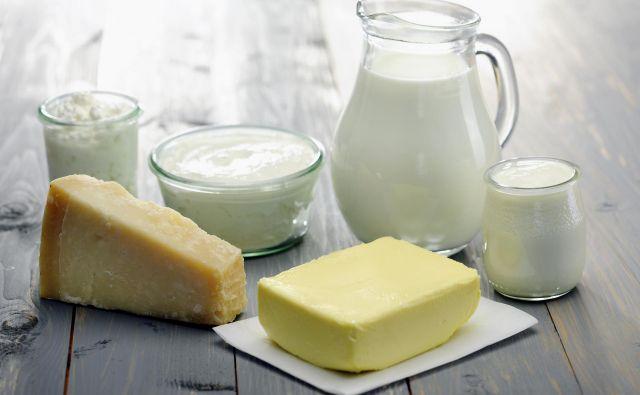 V Sloveniji na splošno sicer še vedno velja priporočilo, naj potrošniki izbirajo manj mastne mlečne izdelke. FOTO Shutterstock
