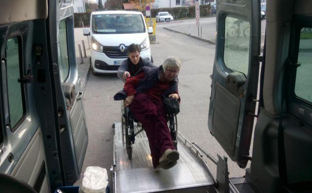 To je edina možnost za mnoge člane, da gredo k zdravniku. FOTO: Društvo paraplegikov ljubljanske pokrajine