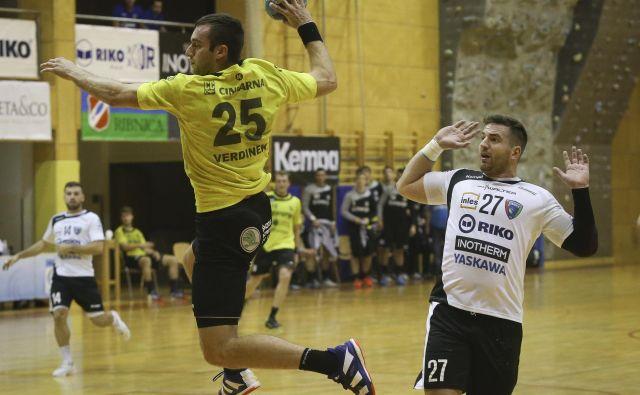 Matic Verdinek z naskokom vodi na lestvici strelcev v slovenskem prvenstvu. FOTO: Jože Suhadolnik
