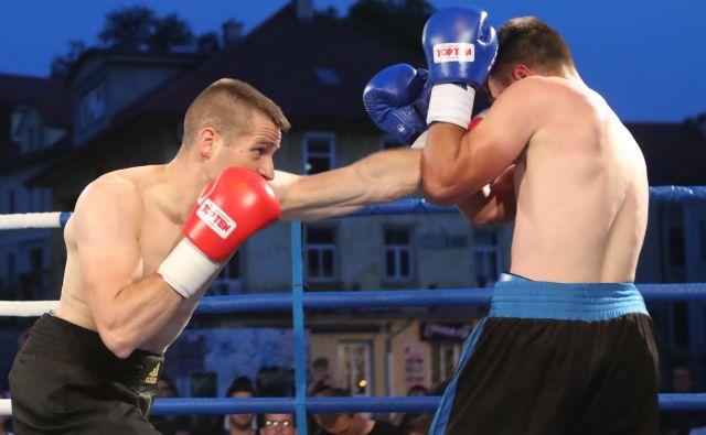 Ljubljančan Andrej Bakovič (levo) velja za tehnično enega od najbolje podkovanih slovenskih boksarjev nasploh. FOTO: Dejan Javornik