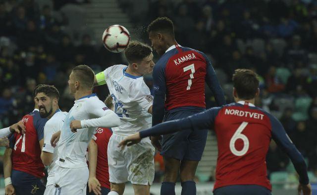 Benjamin Verbič je v vlogi kapetana dosegel gol za Slovenijo, vendar to ni bilo dovolj za zmago proti Norvežanom. Foto Jože Suhadolnik