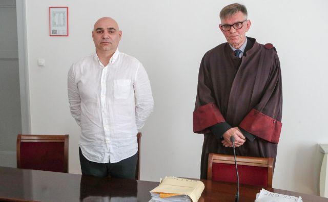 Nasprotno je obdolženčev zagovornik Boris Grobelnik v zaključnih besedah vztrajal, da je Kolenc nedolžen. FOTO: Marko Feist