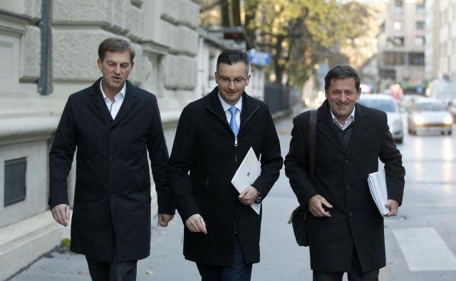 V koaliciji se kreše, sindikati javnega sektorja pa pričakujejo vladne pogajalce z mandatom. Foto Matej Družnik