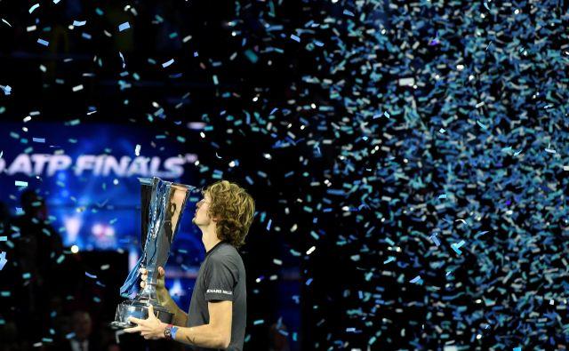 Zverev je v Londonu dobil peti letošnji turnir. FOTO: Reuters