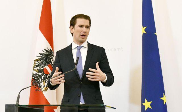 Avstrijski kancler Sebastian Kurz in peterica balkanskih premierjev so se na Dunaju zavzeli za tesnejše regionalno sodelovanje. FOTO: Hans Punz/AFP