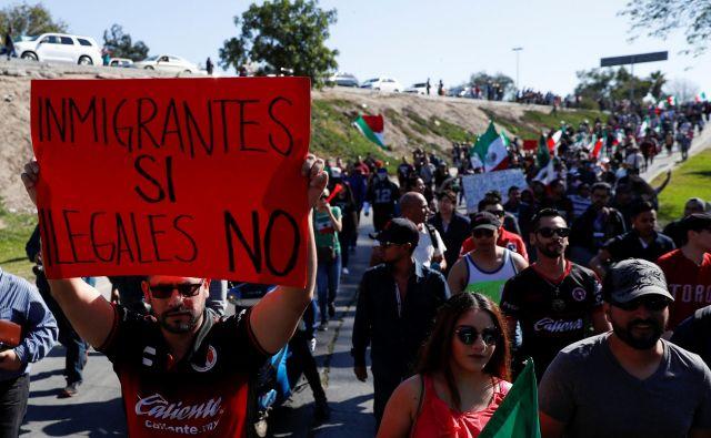 Oblasti pričakujejo, da bo v Tijuano prispelo do 10.000 migrantov. FOTO: Carlos Garcia Rawlins/Reuters