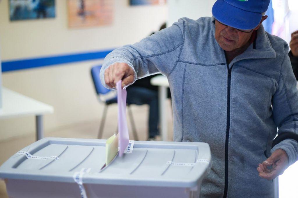 Zakaj v dobi digitalizacije glasovnice štejemo tako počasi?