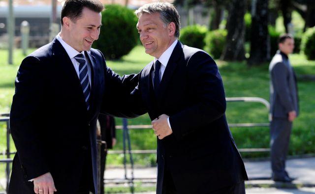 Nekadnji makedonski premier Nikola Gruevski (L) je maja 2011 v Skopju gostil svojega madžarskega kolega Viktorja Orbána. FOTO: Ognen Teofilovski/Reuters