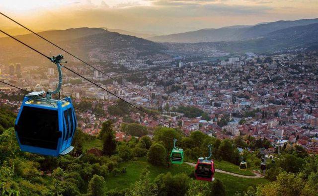 V Sarajevu so aprila zagnalii novo vzpenjačo na Trebević, ki je bila med vojno uničena, do danes so z njo ustvarili milijon evrov dobička. FOTO: Mestna občina Sarajevo