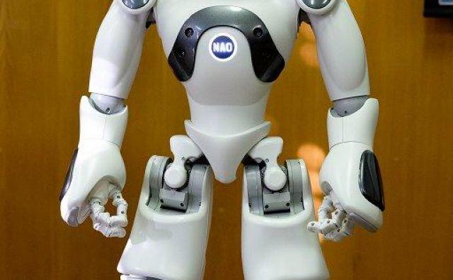 Humanoidni robot Blue NAO Evolution bo namenjen pretežno raziskovanju tehnologij, delno pa bo vključen v izobraževalne namene, saj se trend servisne robotike povečuje. Foto ProfiDTP