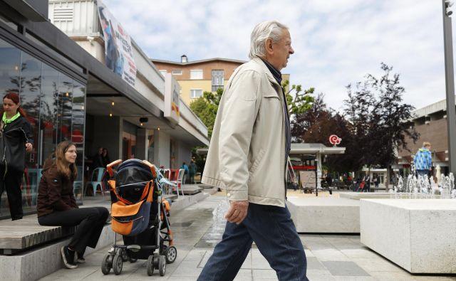 Kaj ponujata kandidata za starejše in mlajše? Foto Uroš Hočevar
