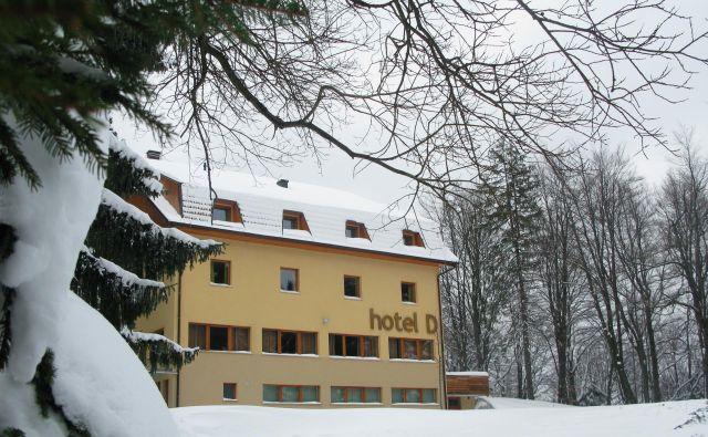 Hotel z 22 sobami je mogoče začeti takoj uporabljati. Foto Polona Malovrh