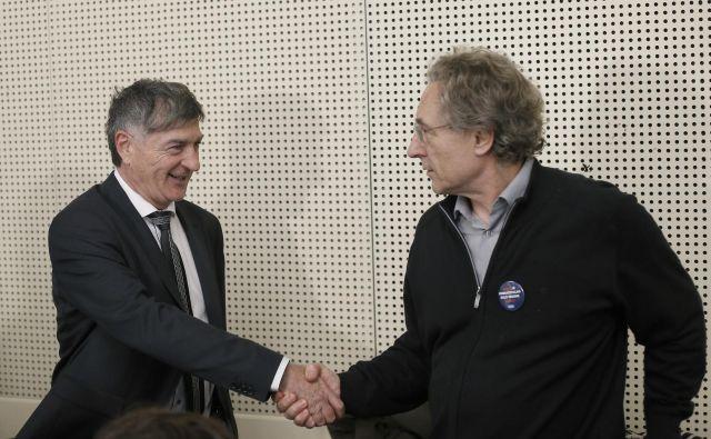 Branimir Štrukelj se je z vladnimi predstavniki dogovoril za višje učiteljske plače, a bo podporo zanj preveril še med članstvom. FOTO: Blaž Samec/Delo