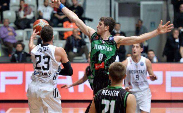 Aleksandar Lazić (št. 8) je bil med boljšimi pri Petrolu Olimpiji. FOTO: FIBA